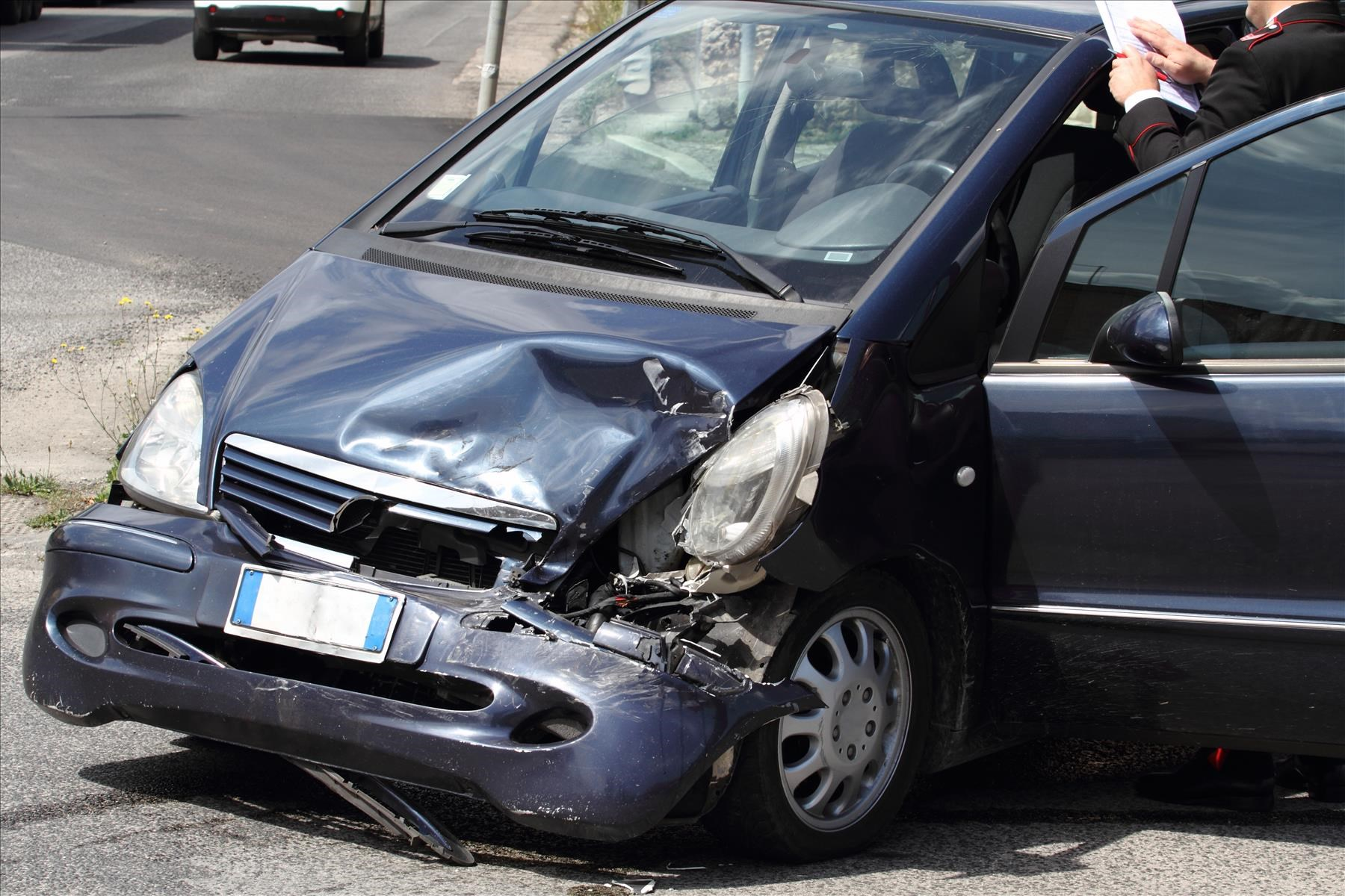 Hiring a Car Injury Lawyer after a Crash Occurs in a Major City
