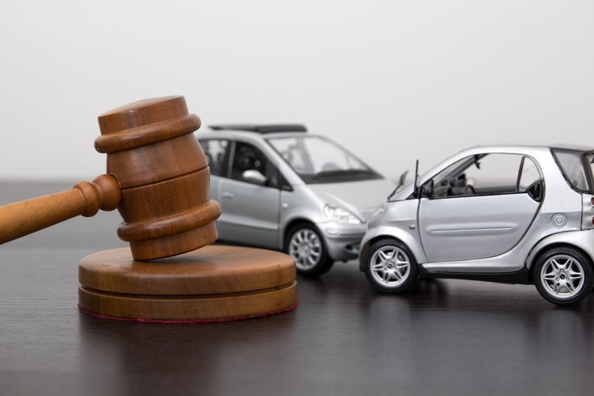 How Fully Automated Vehicles Reduce Settlements and Hiring an Automobile Accident Lawyer in the GTA